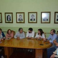 El comité de crisis se reúne con autoridades nacionales de desarrollo social