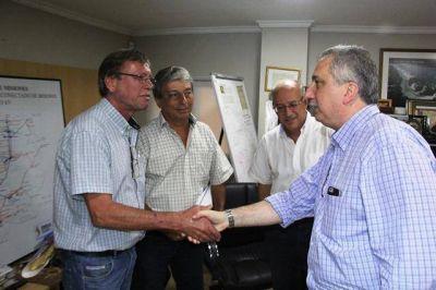 Passalacqua evaluó estado de situación con técnicos de EMSA