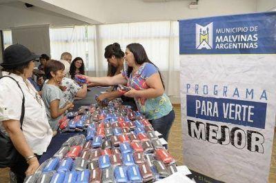 Entrega gratuita de anteojos para adultos mayores en Grand Bourg