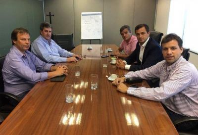 Intendentes peronistas se reunieron con Gigante por el Fondo de Infraestructura