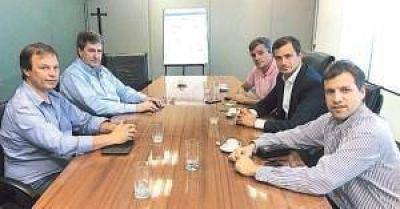 La provincia negocia con intendentes del Grupo Esmeralda la distribución de obras