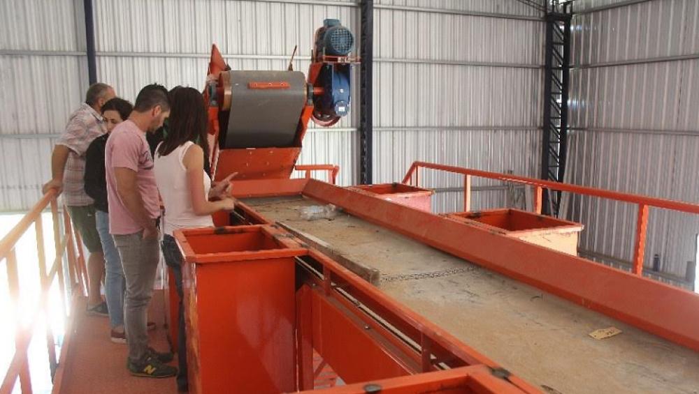 Castelli: comenzó el montaje de la planta de separación de residuos