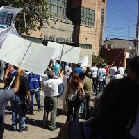Trabajadores protestaron en Villa Mercedes por el cierre de Cerámica San Lorenzo