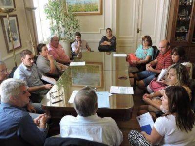 Lunghi entregó subsidios para financiar proyectos en Vela y Gardey