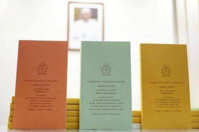 "Amoris laetitia; ""L'Osservatore Romano"" publica las líneas guía"
