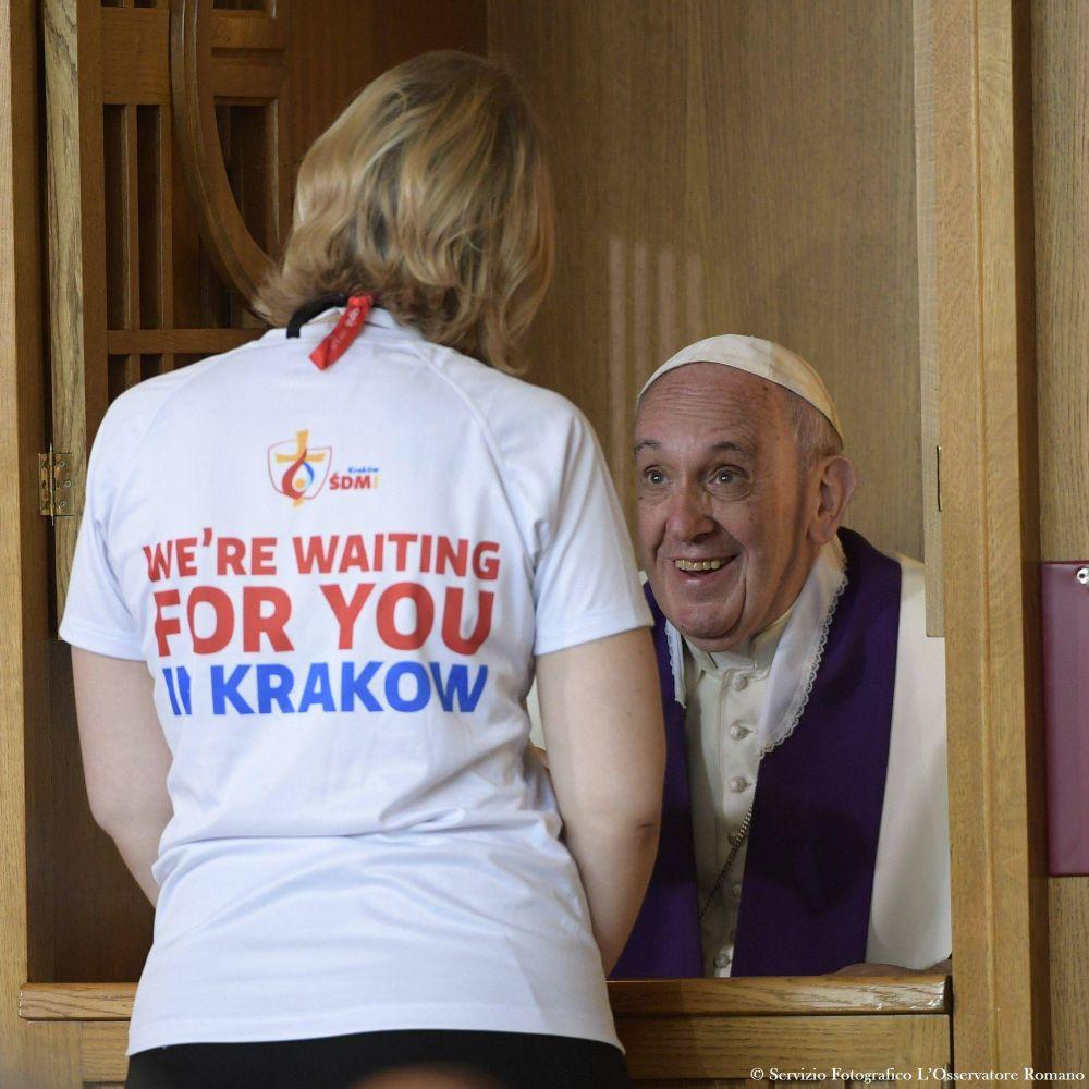 """Papa Francisco a los jóvenes: """"Un mundo mejor se construye con ustedes"""""""
