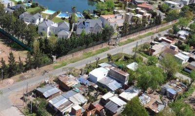 Unas 420 mil familias bonaerenses viven en villas y asentamientos