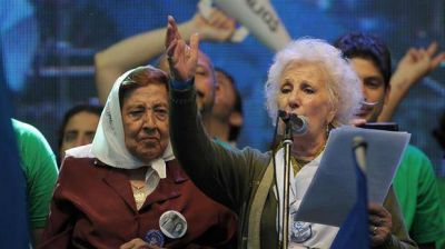 Estela de Carlotto defendió a los Kirchner: