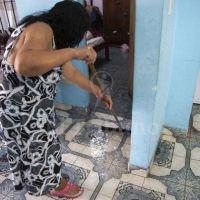 En la calle Moldes viven con las cloacas en el living