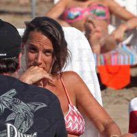 El enojo de Malena Galmarini contrasta con la alegría del verano