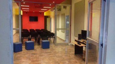 Manzur inaugura un microcine en el ex Predio Ferial, rebautizado Ingenio Cultural