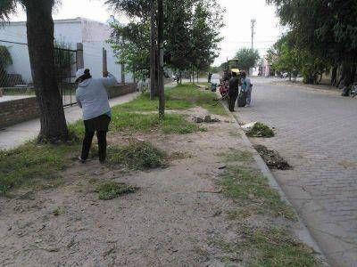 El Centro Operativo Nº 6 informó las tareas de limpieza que se desarrollan en el sector oeste de la Capital