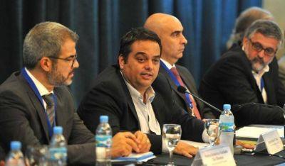 """Triaca confirmó paritarias """"cortas"""" y aumentos en base a la inflación"""