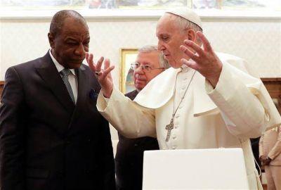 Un libro vuelve a provocar polémica en el Vaticano