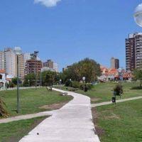 """Con Massa presente abren el """"Paseo del Durazno"""" en el Parque de los Patricios"""