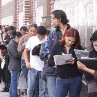 En el año de los despidos, Macri redujo un 84% el plan para sostener el empleo