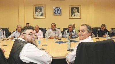 Apuran negociación con CGT para acordar plan de blanqueo laboral y creación de empleo