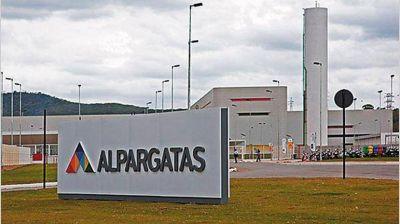 El Gobierno sale a buscar nuevos empleos para los despedidos de Alpargatas