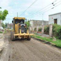 Realización de zanjeo, nivelación de calles y retiro de tierra excedente