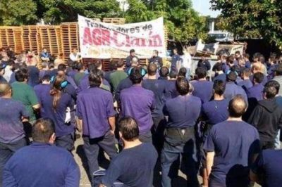 Denuncian que el grupo Clarín decidió vaciar la empresa Artes Gráficas Rioplatenses