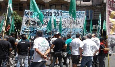Gráficos convocan a un paro de actividades por despidos en AGR