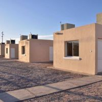 Con lo ahorrado en la ART de estatales el Gobierno podría construir 4 barrios