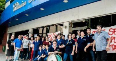 Denuncian el pago del salario en cuotas en la Clínica Boedo