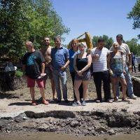 Zabaleta recorrió la pavimentación de la calle Combate de Pavón