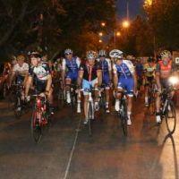 En bici, Uñac y las estrellas del ciclismo inauguraron el circuito El Pinar