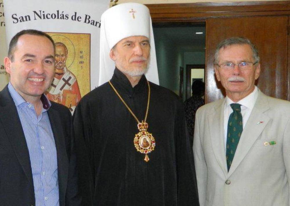 Fiorini entregó distinción a integrante de la Iglesia Ortodoxa Rusa