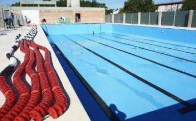 Cascallares inaugura el natatorio municipal