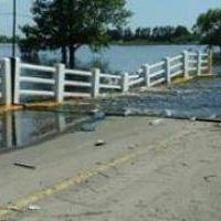 General Arenales: Cedió el puente de acceso por la inundación