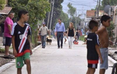 Gabriel Katopodis visitó nuevas obras de pavimento en Villa Hidalgo
