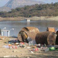 Movida de pescadores para limpiar el dique Cabra Corral