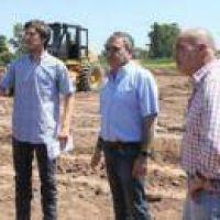 Alfaro supervisó el inicio de los trabajos de urbanización de la Costanera