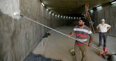 Ultiman detalles en el túnel de calle Mendoza