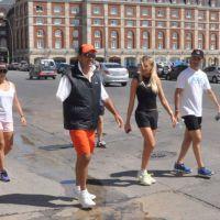 Scioli y su nueva novia pasearon por la ciudad
