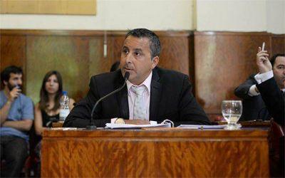"""Azcona: """"El intendente dijo que iba a bajar los impuestos y los está aumentando un 40%"""""""