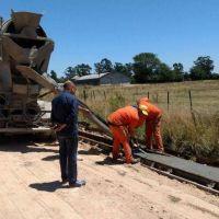 Proyectan la construcción de más de 100 cuadras de cordón cuneta en cuatro barrios