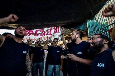 En el Grupo Clarín el conflicto gremial se nacionaliza y convocan a una protesta en todo el país
