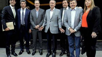 Gobernadores buscan poner tope a paritarias estatales