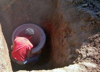 Continúan las obras de agua potable y cloacas en el Barrio Laguna Paiva