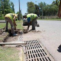 Calle Caamaño: Revelan que los sumideros no funcionan y arman un plan hidráulico para que no se siga inundando