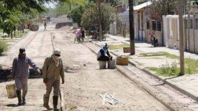Ejecutan obras de pavimento en el barrio John Kennedy