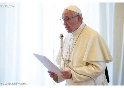 El Papa: todo esfuerzo contra trata de personas y contrabando de migrantes
