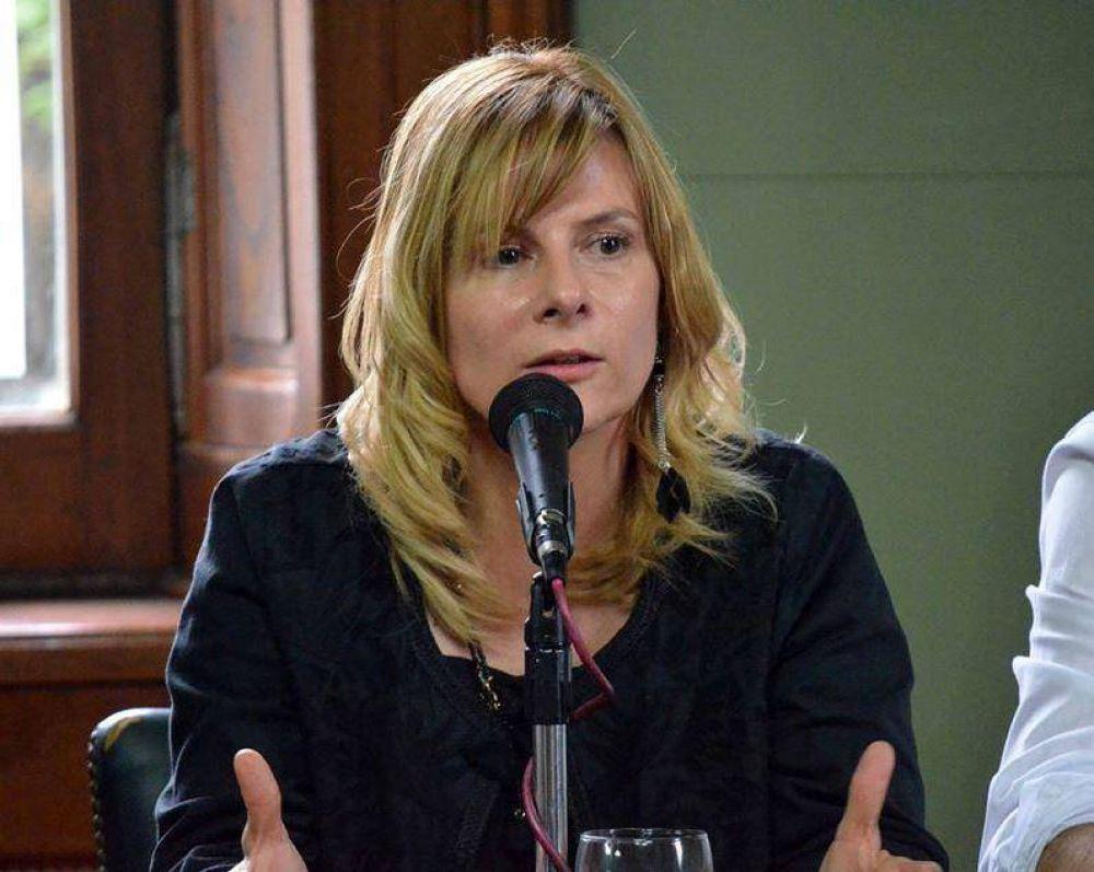 """Florencia Saintout apuntó contra el macrismo y llamó a """"organizarse y ganar en elecciones"""""""