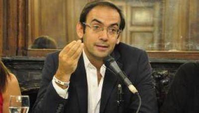 "Quintana cruzó a Lousteau: ""Debe definir si es aliado u opositor"""