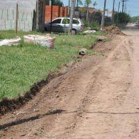 Se realizan trabajos de zanjeo, limpieza de alcantarillas y nivelación de calles