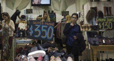 Las asociaciones de consumidores advierten que los precios no bajarán