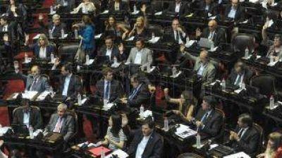 El oficialismo parlamentario buscará una rápida ratificación de los decretos sobre ART y feriados